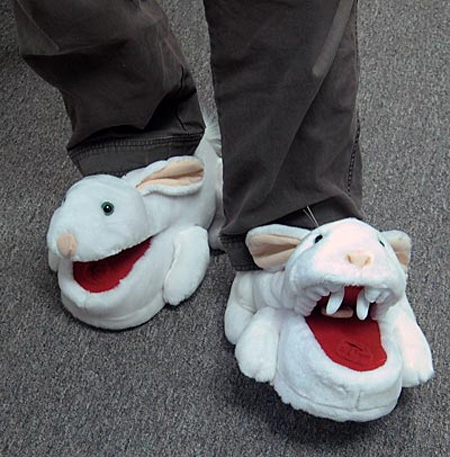 Monty Python Killer pantufas de coelho da ThinkGeek