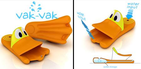Com um esmagar do seu calcanhar, suga a água para o pato, e um outro squish expele a água em um riacho de diversão.